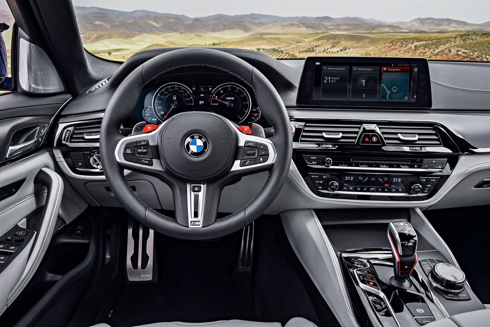Foto de BMW M5 2018 (47/57)