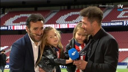Las Hijas De Simeone Cantan El Himno Del Atletico De Madrid 001