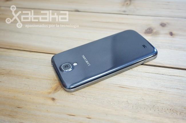 Samsung Galaxy S4 acabado trasera
