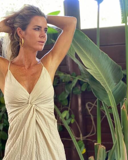 Fichamos el vestido de tirantes de Zara de menos de 30 euros que ha lucido Amelia Bono y nos ha conquistado