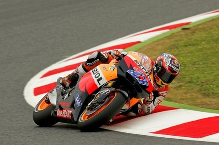 MotoGP Catalunya 2011: entrenamientos libres con Stoner en marcha
