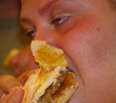 La mala alimentación asociada a los problemas hepáticos