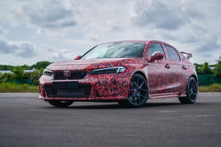 El próximo Honda Civic Type R deja ver su faceta racing aun bajo camuflaje