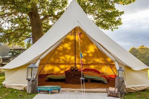 Once tendencias decorativas para crear estilo en tu camping preferido