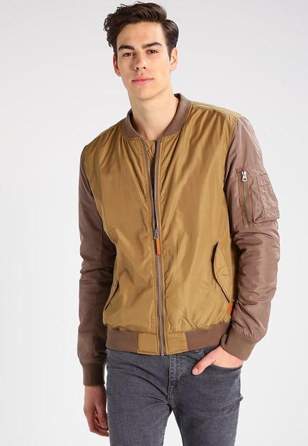 60% de descuento en la chaqueta tipo bomber Shipley de Redefined Rebel: sólo 29,95 euros en Zalando