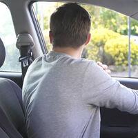 La maniobra para abrir la puerta del coche que evita uno de los accidentes ciclistas más comunes