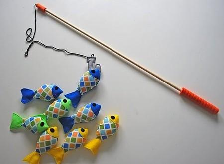 hacer-pescados-de-fieltro-para-caña-de-pescar