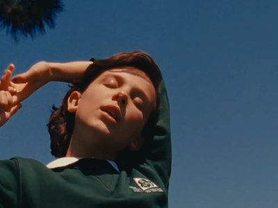Millie Bobby Brown, Calvin Klein y Raf Simons juntos en el nuevo video de The XX 'I dare you'