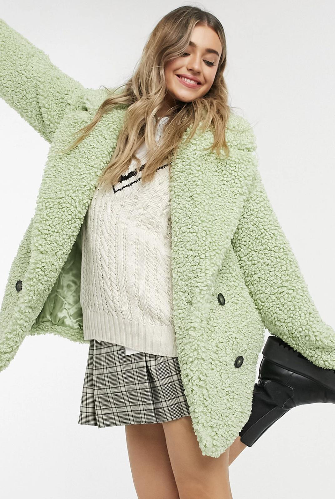 Abrigo en color menta de doble botonadura y tejido de borreguito de estilo peluche de ASOS DESIGN