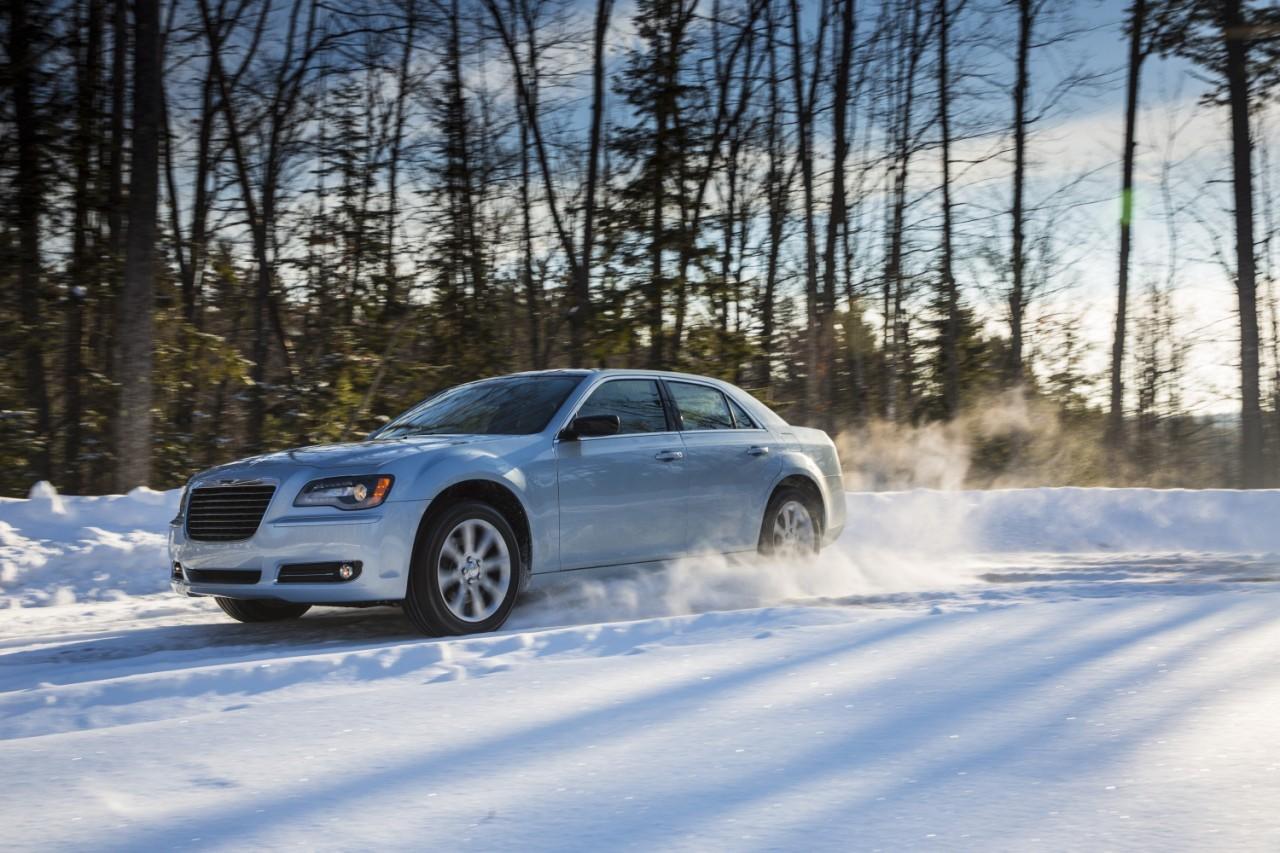 Foto de 2013 Chrysler 300 Glacier (12/27)