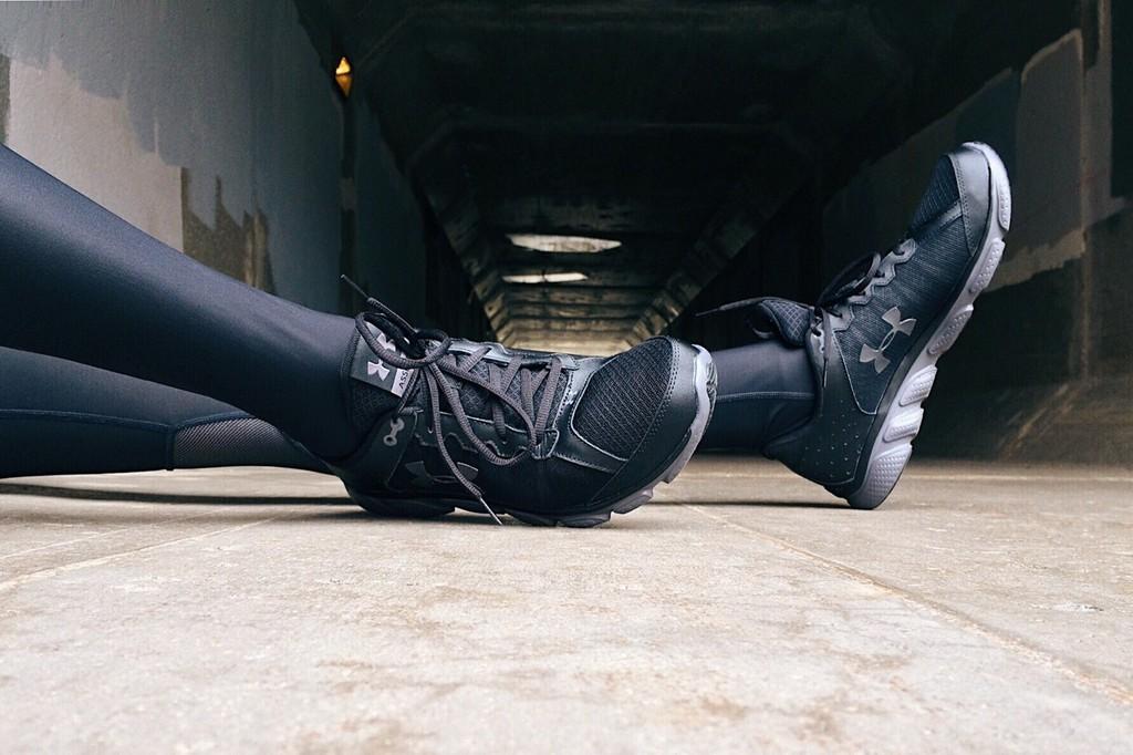 Chollos en tallas sueltas de ropa deportiva Under Armour: ahorra en la vuelta al gym en camisetas, pantalones y sudaderas