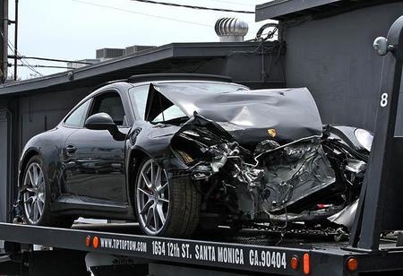 Dolorpasión™: Lindsay Lohan destroza un Porsche 911 alquilado