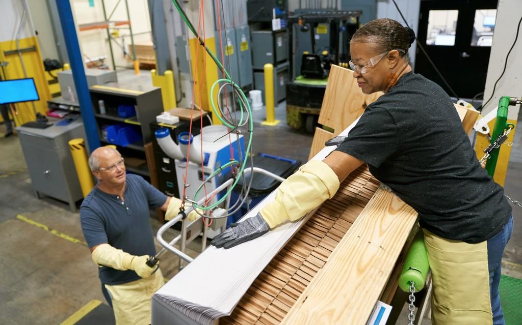 Apple invierte 250 millones de USD en Corning, el productor de cristales de dispositivos