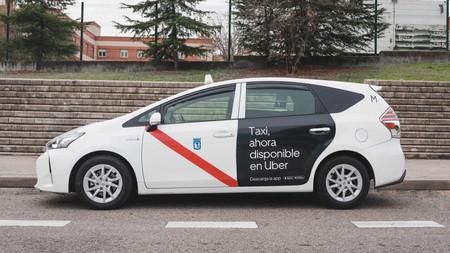Uber incorpora a los taxis en Madrid: a través de la misma aplicación que las VTC y con menos comisiones