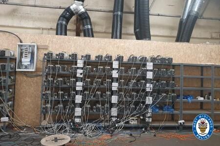 Minar Bitcoin es el nuevo invernadero de marihuana: así explotan clandestinamente la red eléctrica