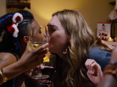 Ni cortilandia ni leches, el trailer del especial de 'Sense 8' sí que nos trae la navidad