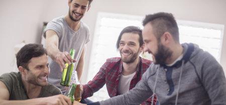 Lo que las mujeres no entienden de la amistad entre hombres: que tengamos amigos sin hablar de las cosas importantes