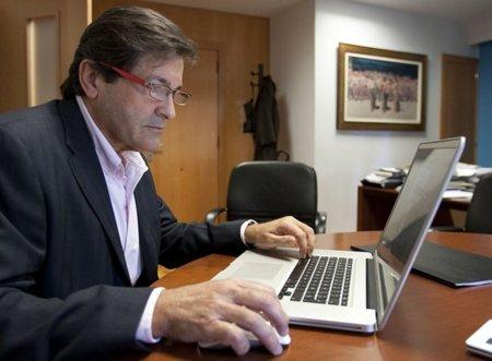 """El presidente de Asturias denuncia que """"hay personas que utilizan de forma espuria la red"""""""