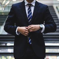 ¿Hacia el fin del traje? El 75% de los trabajadores prefiere otra etiqueta. Las empresas aún no