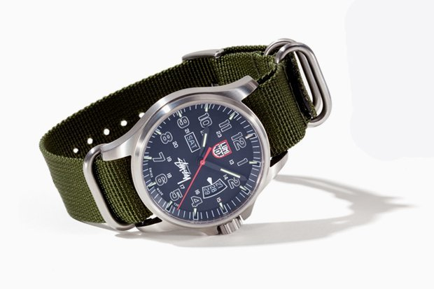 stussy-luminox-field-military-watch-01.jpg