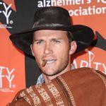 Scott Eastwood hace un guiño a su padre con su disfraz de Halloween