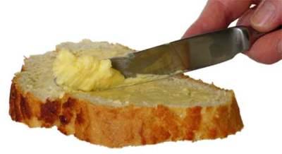 A la hora de desayunar nos quedamos con la mantequilla o ¿con la margarina?