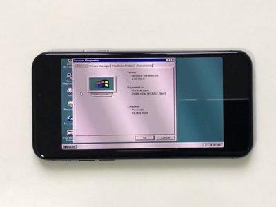 Este iPhone X ejecuta Windows 95 y Simcity 2000 gracias a un emulador