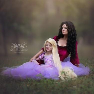 Madre e hija protagonizan espectaculares cosplay de personajes de Disney