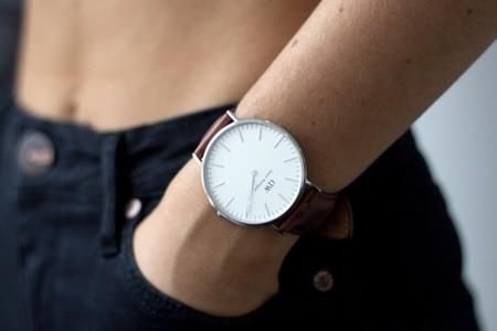 Cuatro relojes asequibles en la hora de la serena modernidad