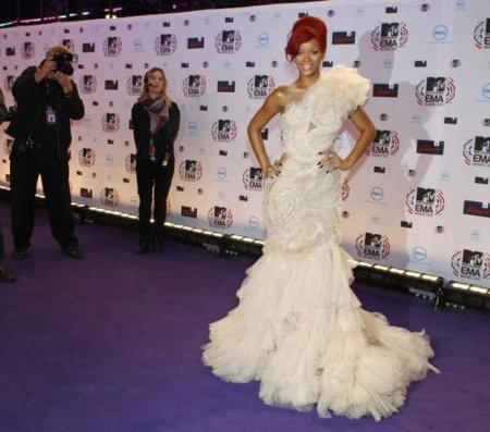 Rihanna en la Alfombra roja de los MTV 2010