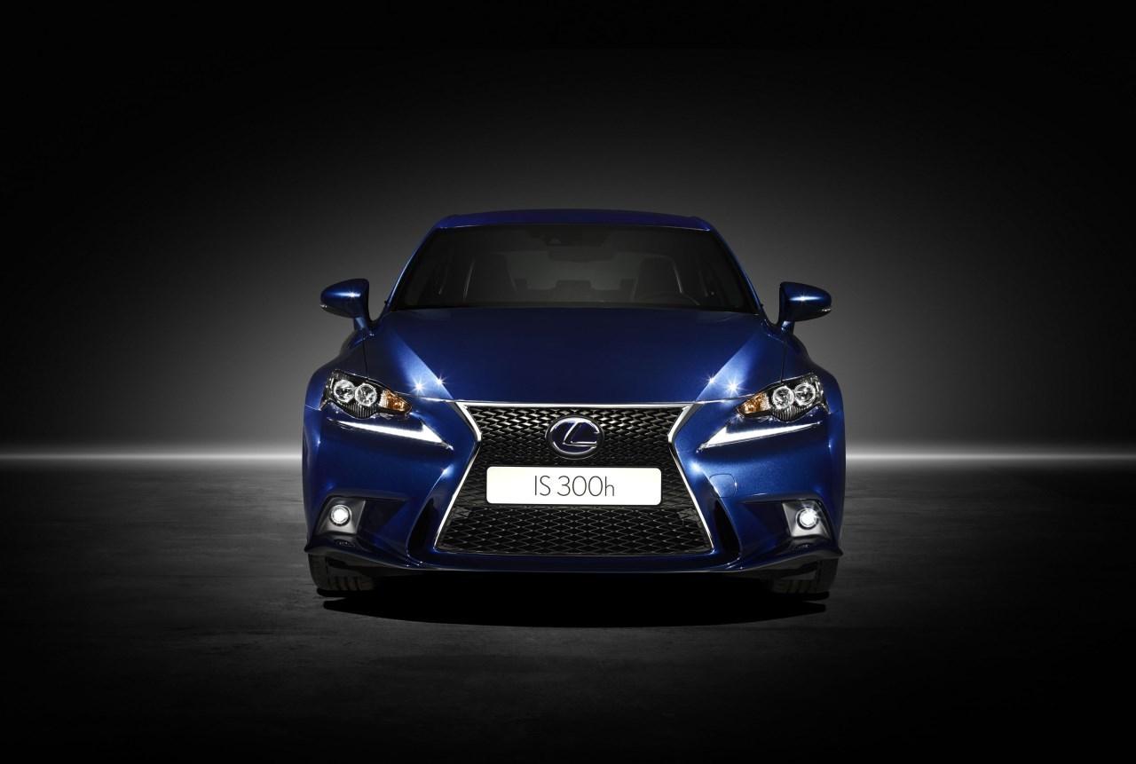 Foto de Lexus IS 300h (40/53)