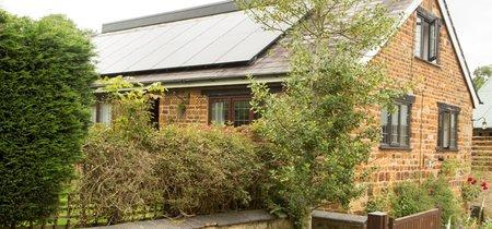 IKEA quiere competir con Tesla: vende paneles solares y baterías domésticas en el Reino Unido