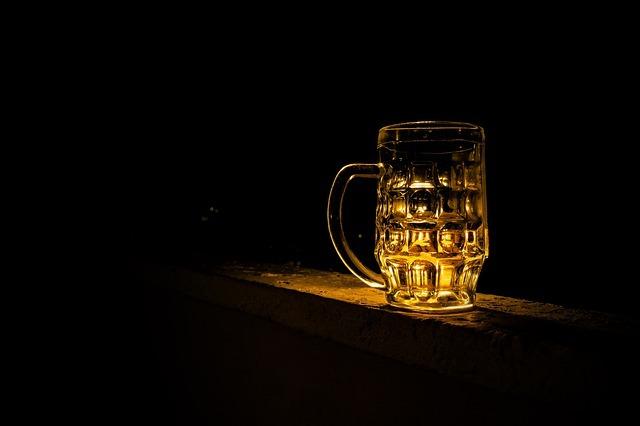 Cómo influye lo que otros piden en la mesa en lo que tú finalmente pides: sobre todo si es cerveza