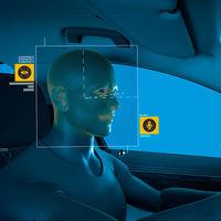 Adiós a interactuar con nuestro coche sólo mediante voz: cada vez es más fácil encontrar sistemas basados en gestos... y miradas