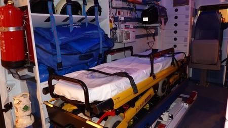 Ambulancia Camilla Madrid Espana 2016 Benjamin Nunez Gonzalez