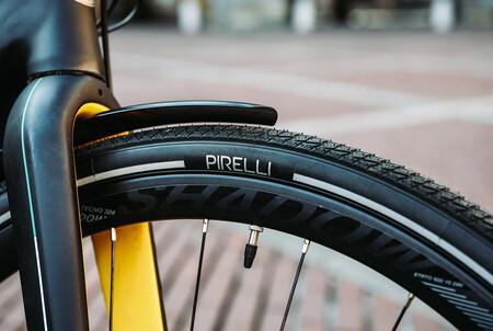 Los neumáticos de invierno para bicicletas y ebikes de Pirelli que están hechos con materiales reciclados
