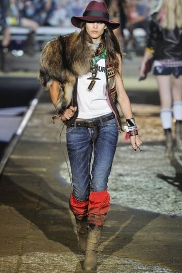"""""""God bless América!, sus indios navajos, barras y estrellas y ruta 66. Dsquared2 Verano 2012"""
