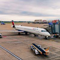 Las aerolíneas ahora buscan ser 'carbon neutral': hay trucos para conseguirlo sin abandonar los aviones de combustión