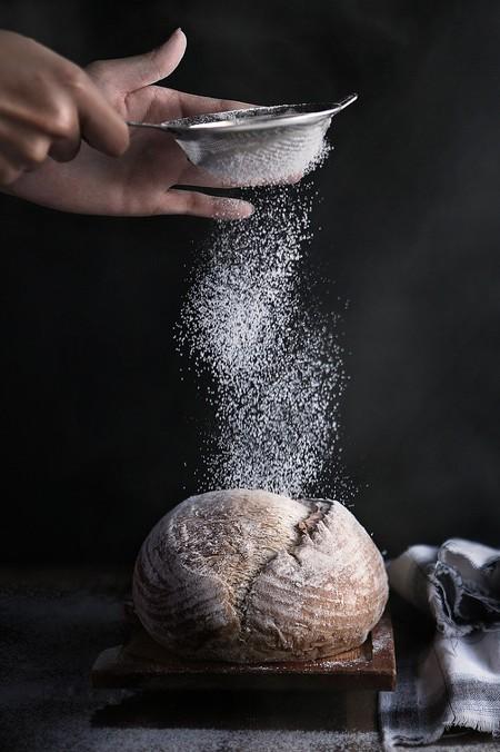 Cómo cernir harina y para qué sirve esta técnica de la gastronomía