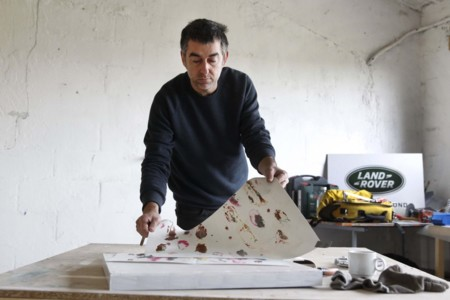 Enrique Radigales Con Bocetos Para Capota Evoque Convertible Arco