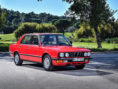 BMW diseñó el Serie 5 E28 con un solo ordenador y aún así sentó las bases del modelo actual