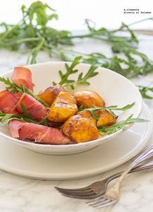 Ensalada de jamón serrano y melocotones marinados. Receta