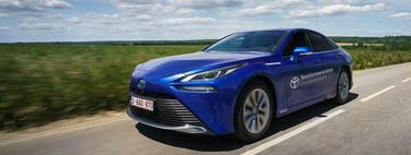 ¡Nuevo récord de autonomía! El Toyota Mirai de hidrógeno golpea al Hyundai Nexo superando los 1.000 km con un solo repostaje