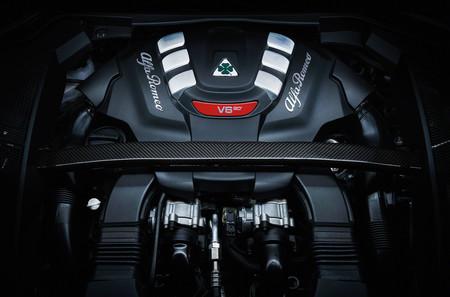 Alfa Romeo Stelvio 2018 17
