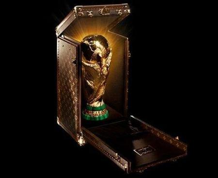 La Copa del Mundo viaja con maletas Louis Vuitton