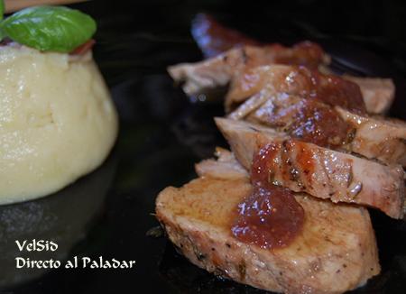 Solomillo de cerdo con salsa de higos y parmentier de manzana y canela