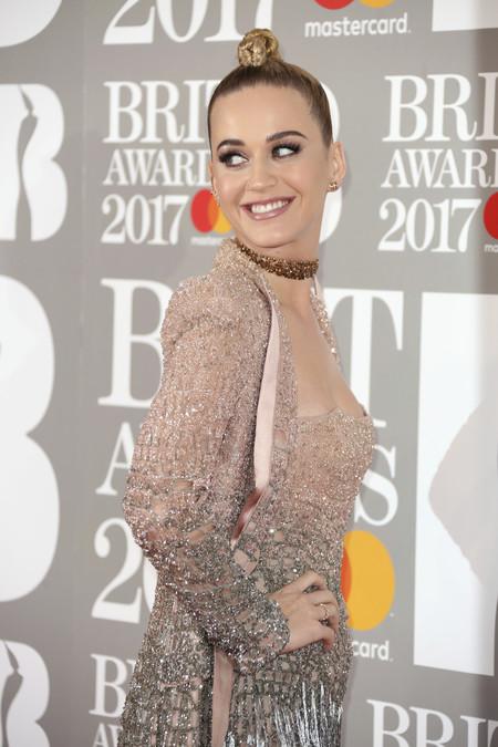 Brit Awards 2017 o la alfombra roja de los horrores (con pocas excepciones)