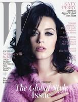 Katy Perry con cara de haberse levantado de la siesta para la revista W Magazine