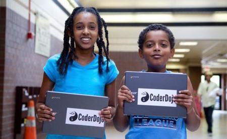 El proyecto CodeStarter anima a que más niños aprendan programación y robótica dotándoles de un portátil