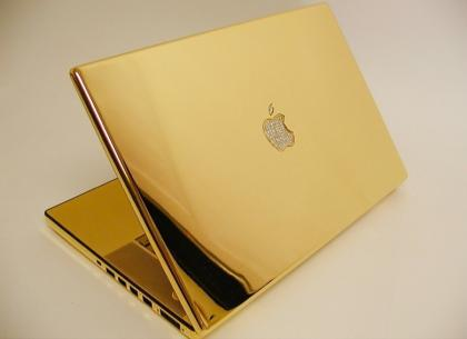 MacBook Pro de oro y diamantes